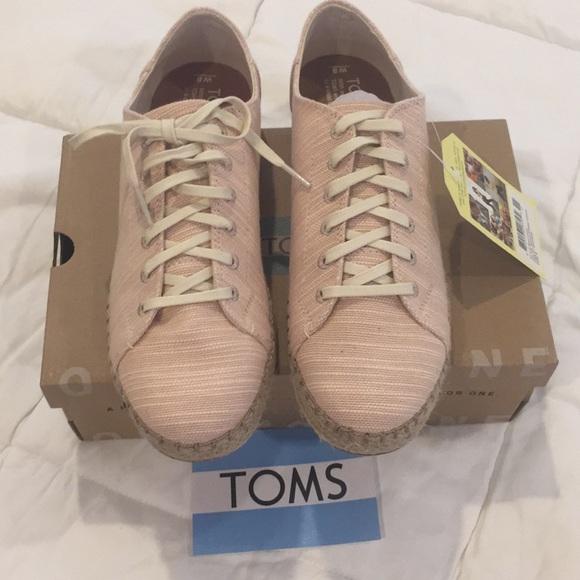 6a4cc2910ec TOMS espadrille sneaker